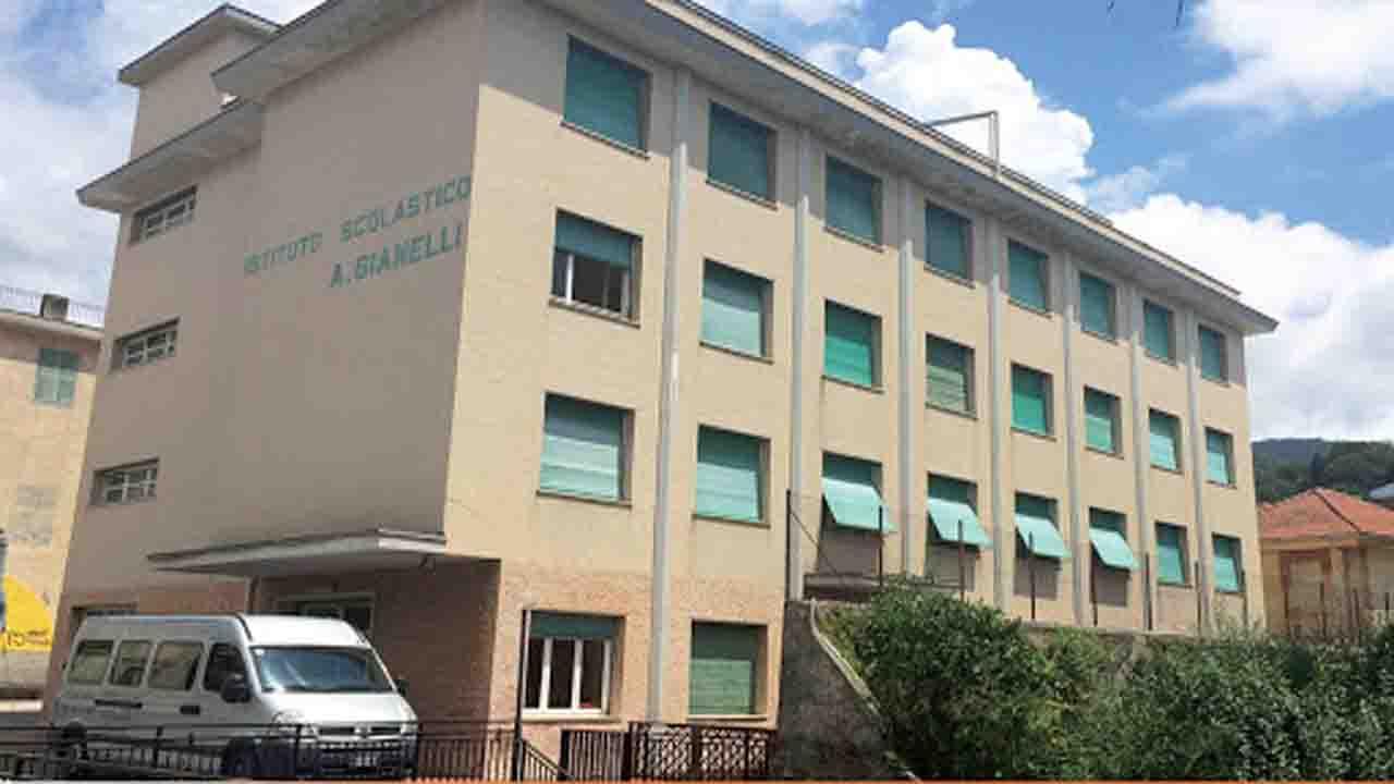 Rapallo    consigliere leghista propone mense multiculturali nelle scuole
