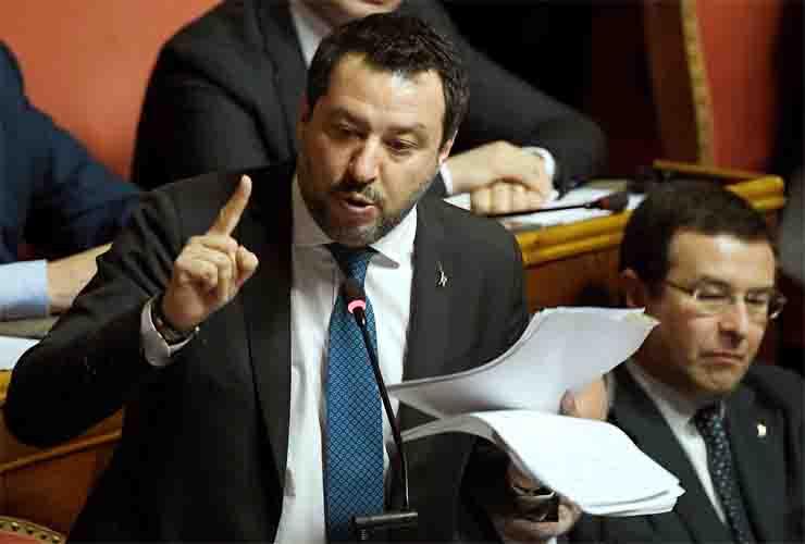 Salvini a processo: abuso d'ufficio durante il suo mandato d