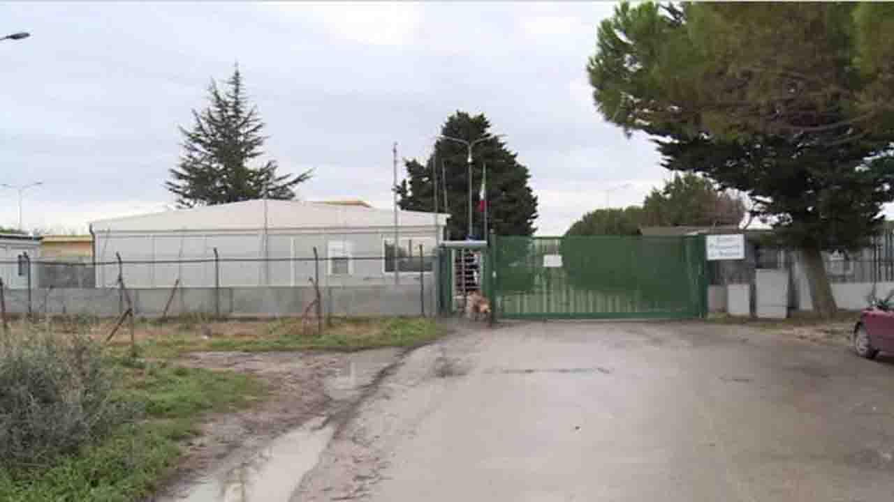 Aggressione nel Cara di Borgo Mezzanone in Puglia, episodio