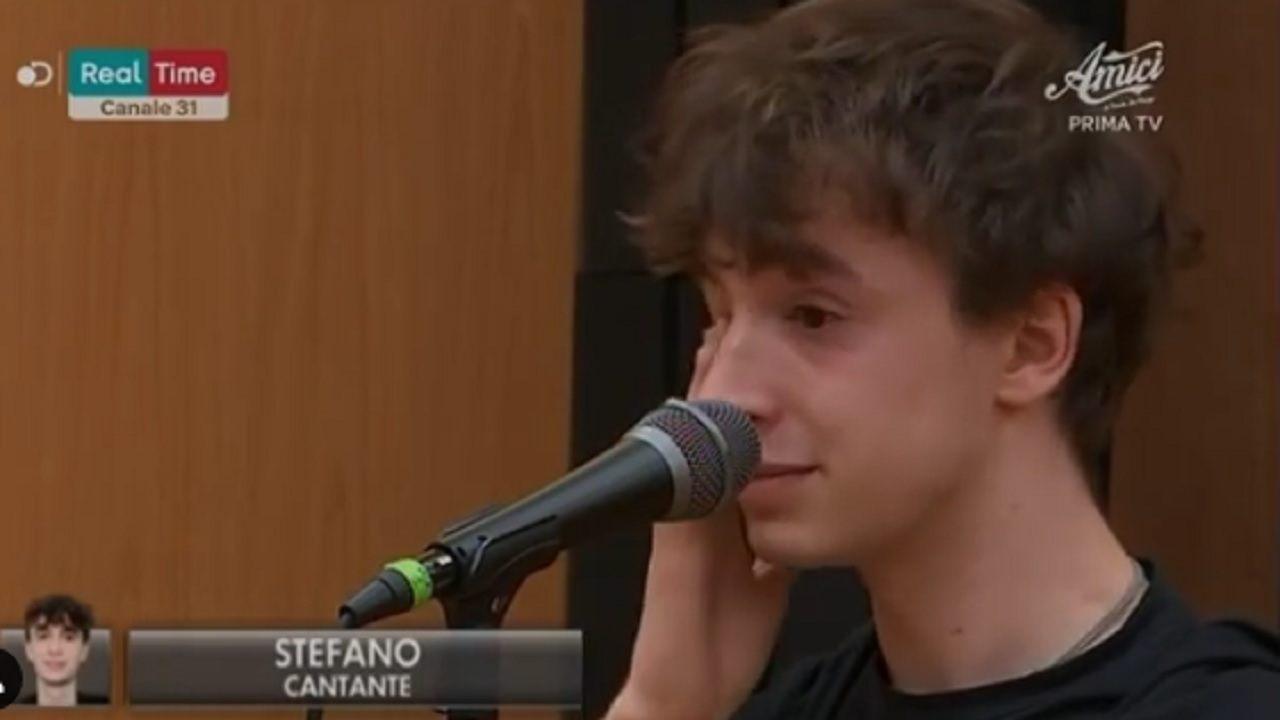 Stefano crollo emotivo ad Amici 19 - meteoweek