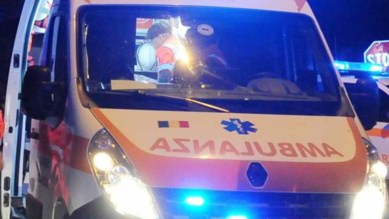 L'impatto con un'altra auto è fatale: muore un uomo di 53 an