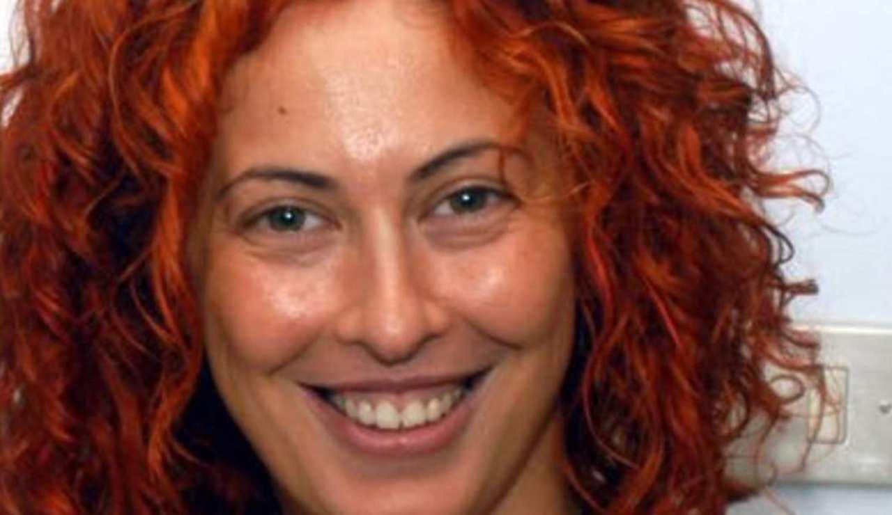 """Era Angela la """"rossa"""" al Grande Fratello: eccola dopo lo scandalo Berlusconi"""