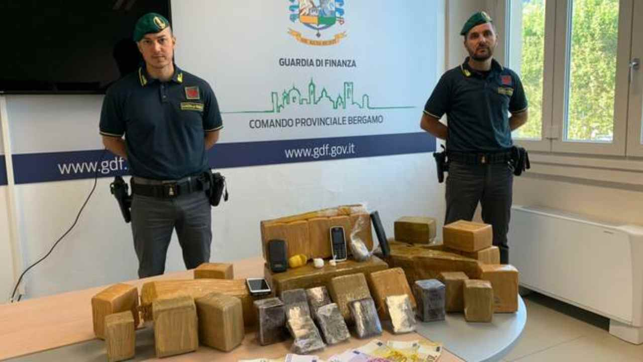 Scoperta una raffineria di droga: tre arresti nel Bergamasco