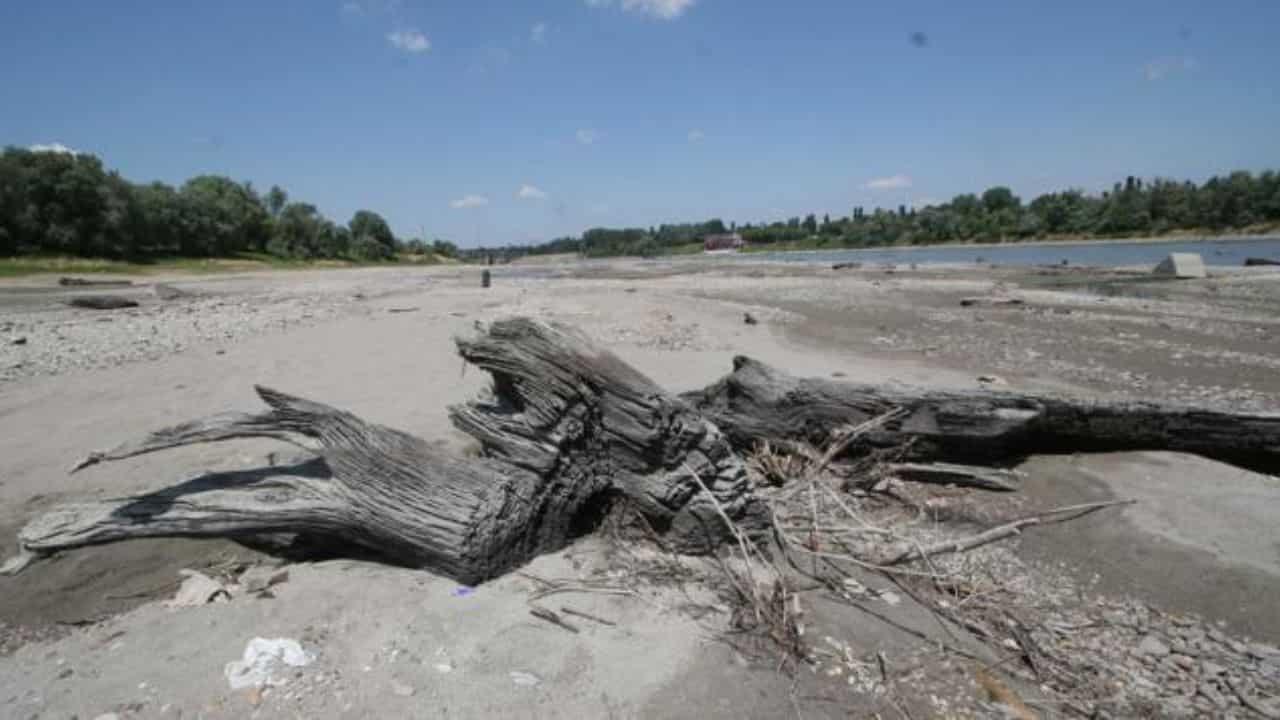 fiume po in secca