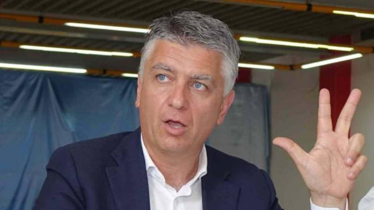 """Coronavirus, senatore di Forza Italia da solo sul treno: """"Si"""