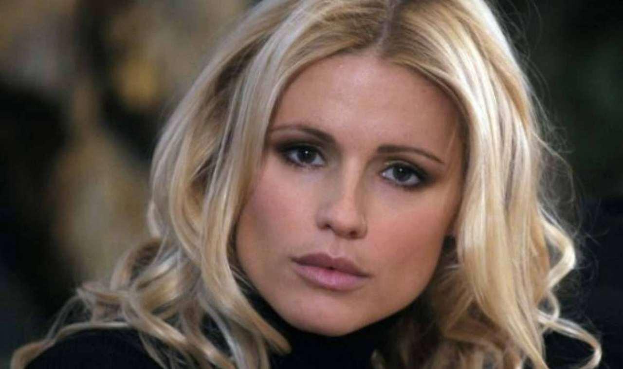 Michelle Hunziker perde le due figlie in vacanza | Panico a