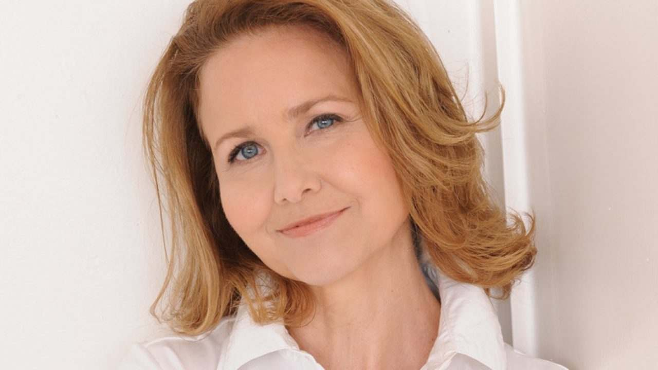 Walker Texas Ranger | Molly Hagan si unisce al cast con Jare