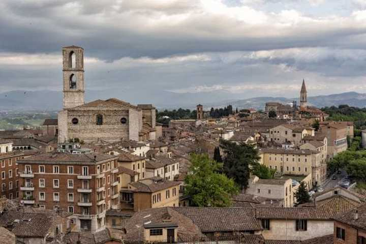 Meteo Perugia oggi martedì 25 febbraio: cielo coperto