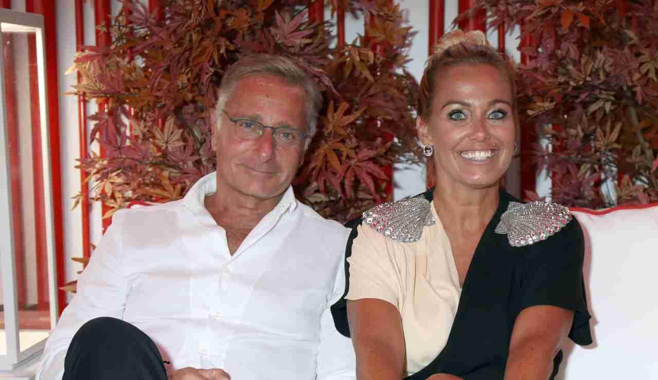 Coronavirus, Sonia Bruganelli alle Maldive e il web insorge: