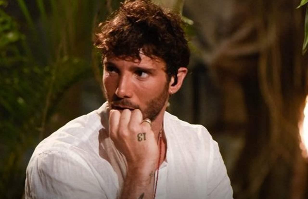 Stefano De Martino truffa del Coronavirus | Tentata rapina i