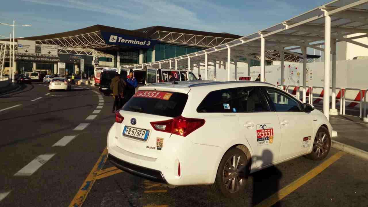 Fiumicino, scatta il nuovo regolamento per il servizio taxi