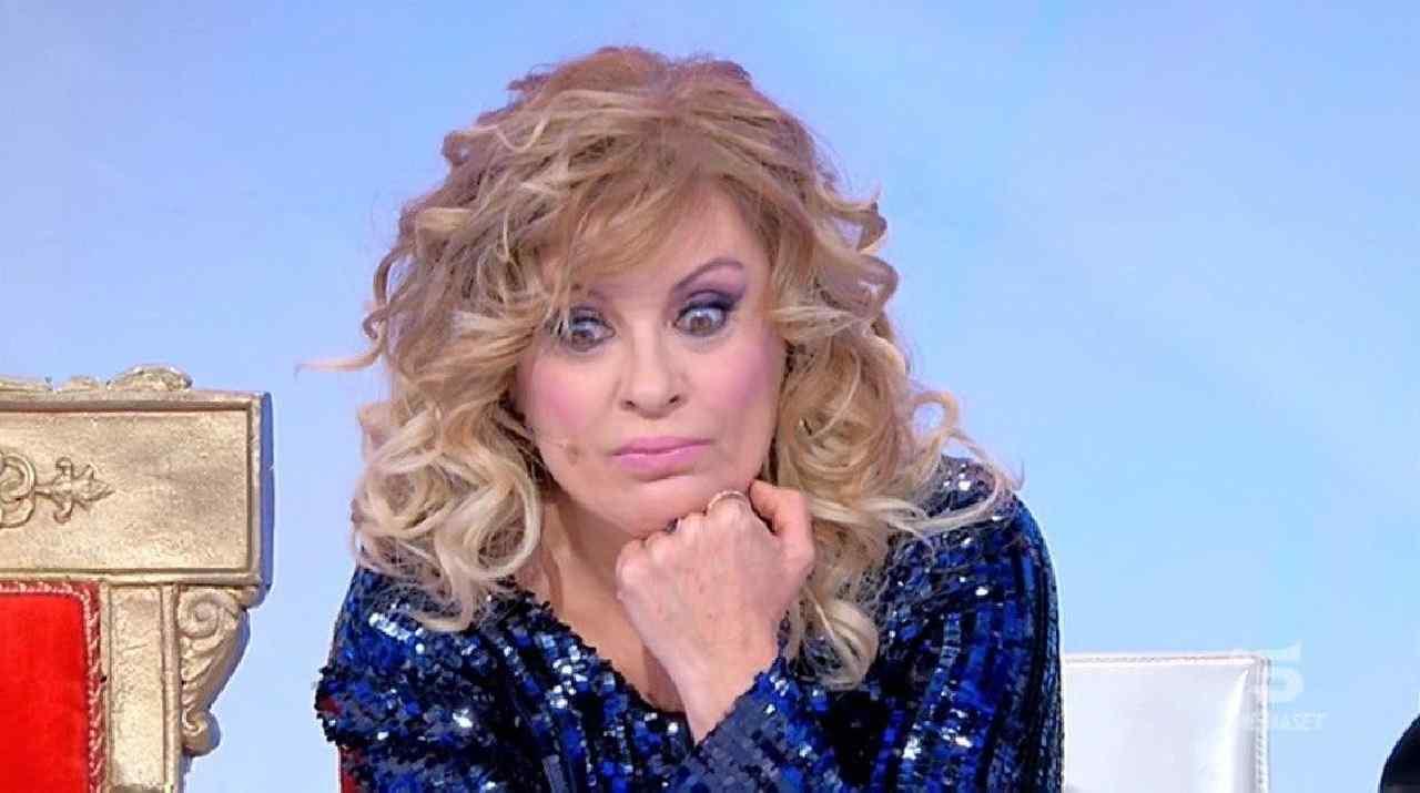 Tina Cipollari ostacola Giovanna Abate