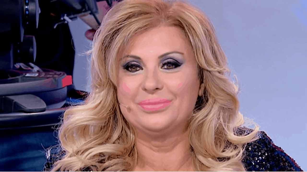 Tina Cipollari e la dieta: quanti chili ha perso la vamp di