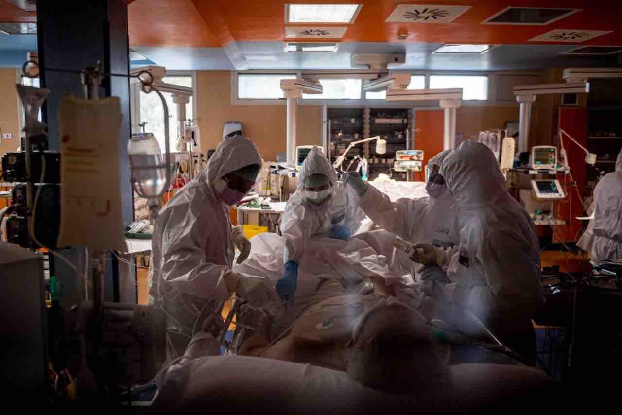 Coronavirus: un milione di ricoveri rimandati