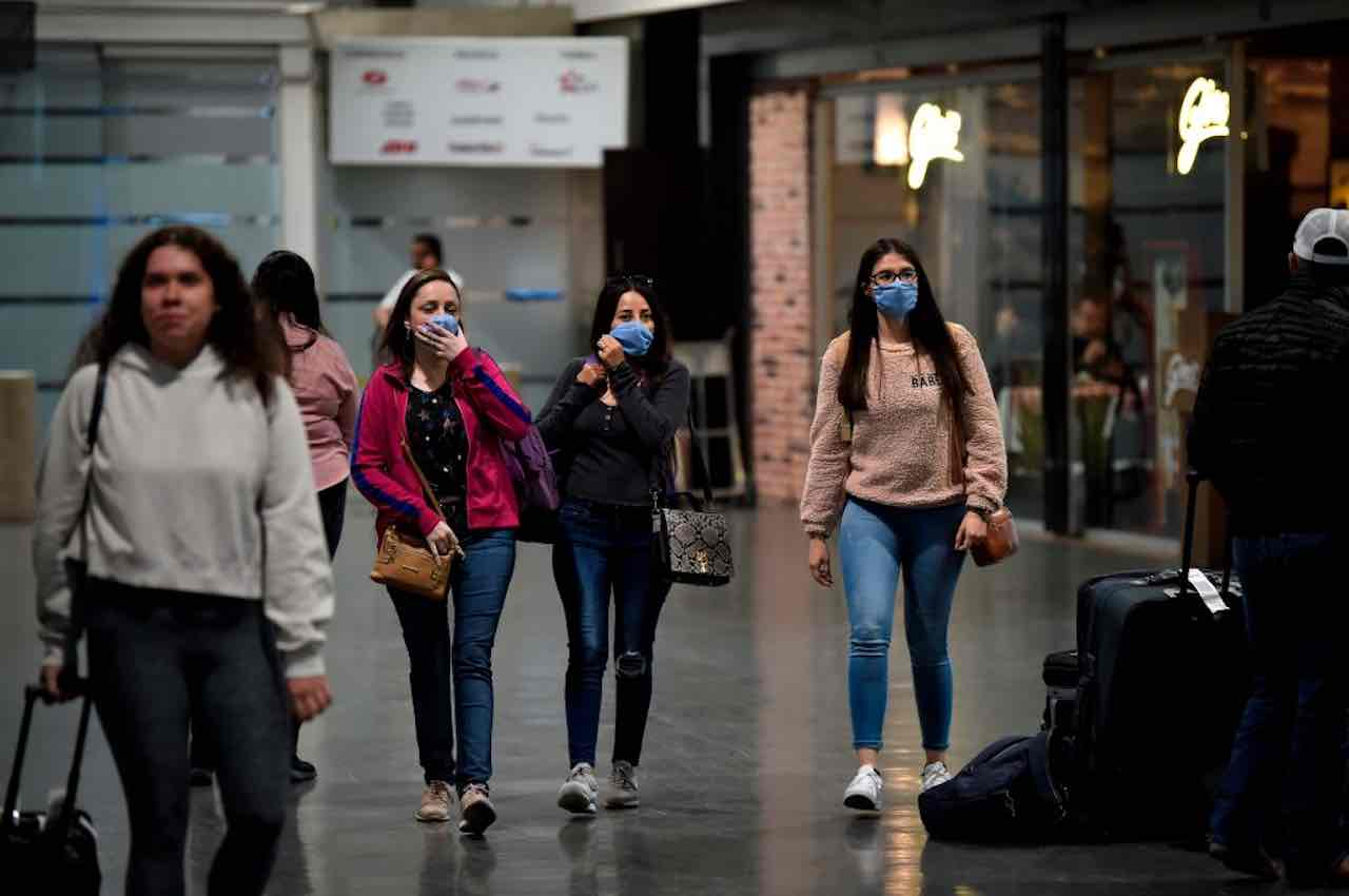 Coronavirus: rientrano 1100 studenti italiani