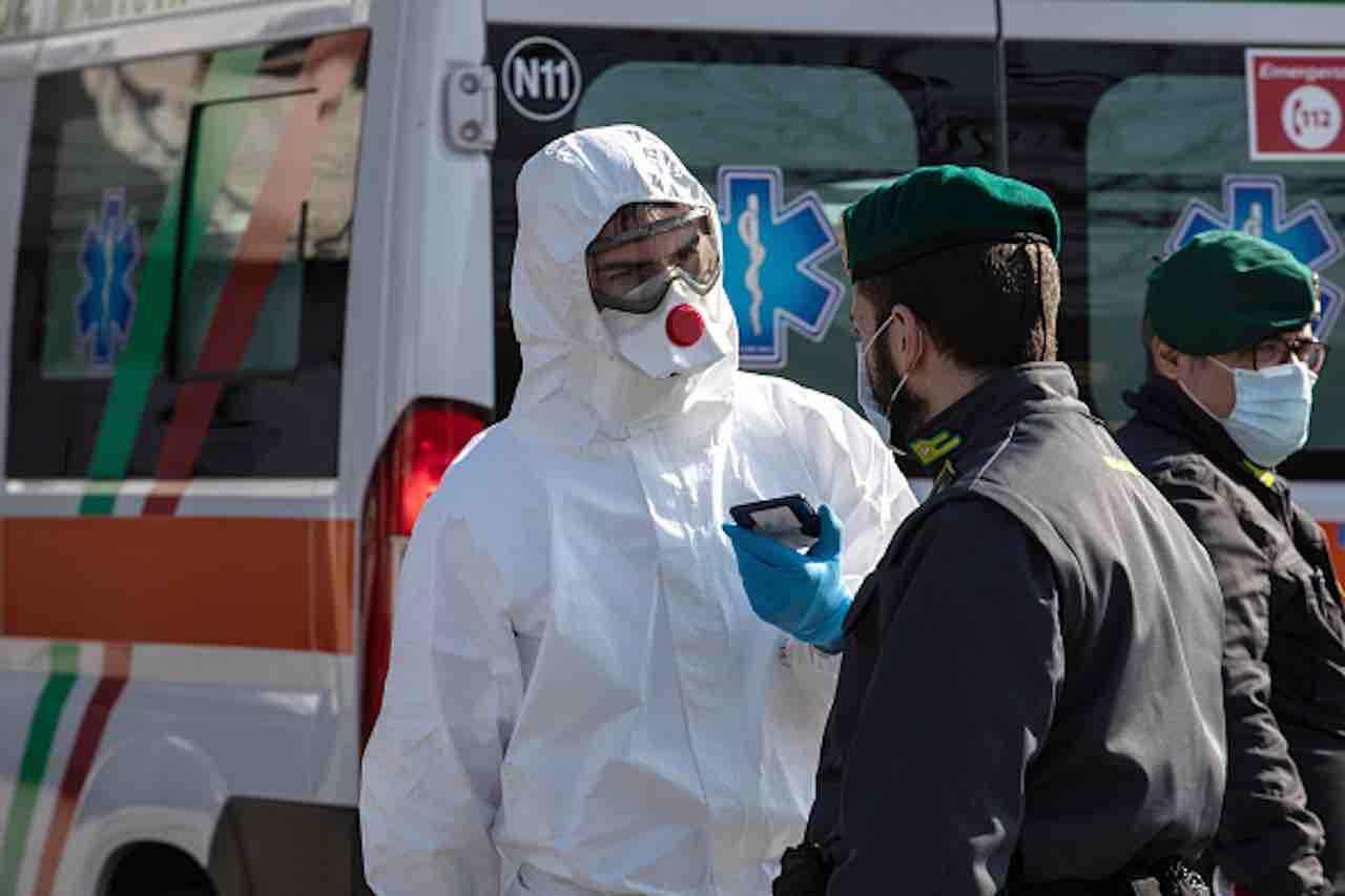 Coronavirus, commissario Arcuri- consegnate a Regioni mascherine e respiratori (Getty) - meteoweek.com