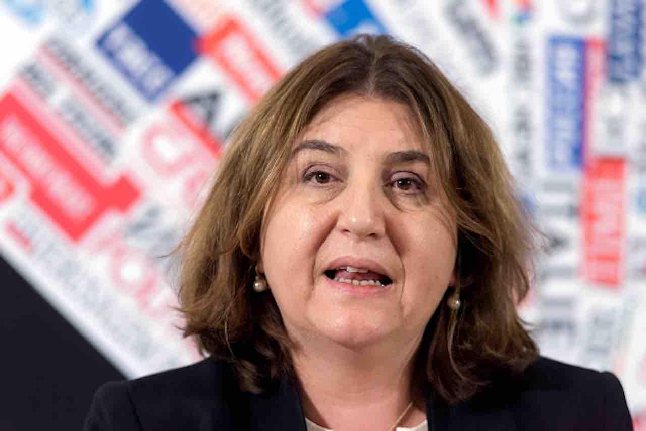 """Coronavirus, ministro Catalfo: """"rafforzare cassa integrazion"""
