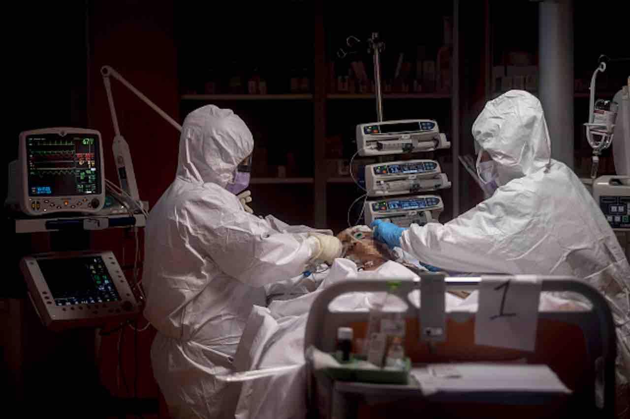 Coronavirus, studio dell'Università di Torino- vitamina D per combattere contagio (Getty) - meteoweek.com