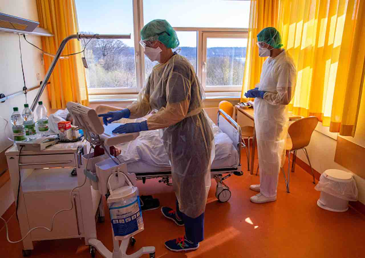 Coronavirus, studio dell'Università di Torino- vitamina D per combattere il contagio (Getty) - meteoweek.com