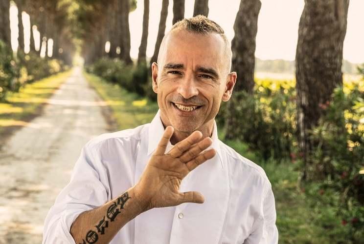 Eros Ramazzotti lascia l'Italia