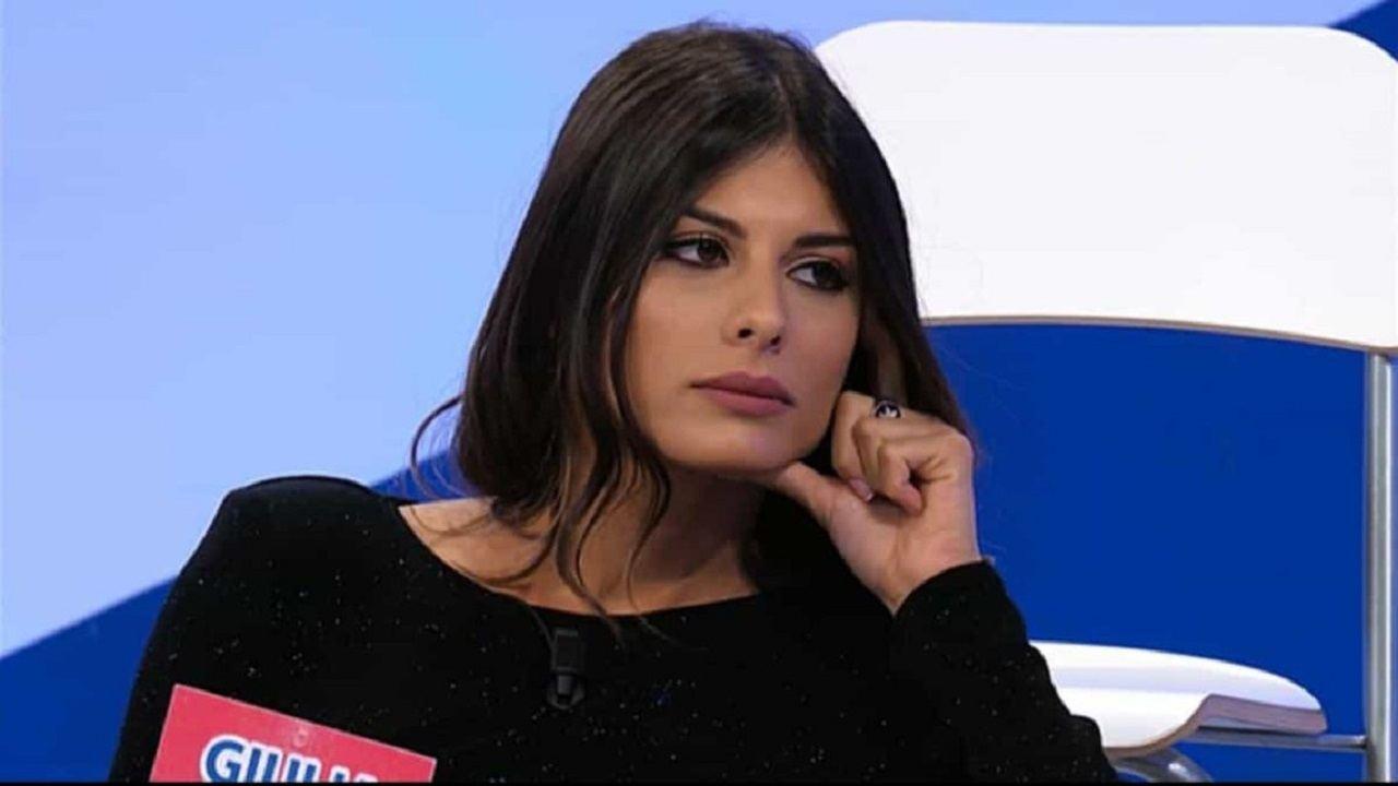 Giulia Cavaglià vive in un contesto difficile
