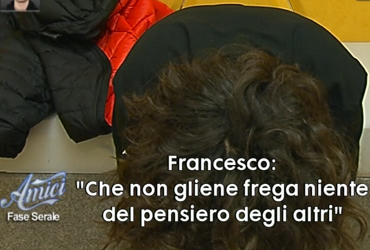 Giulia parla con Francesco - meteoweek