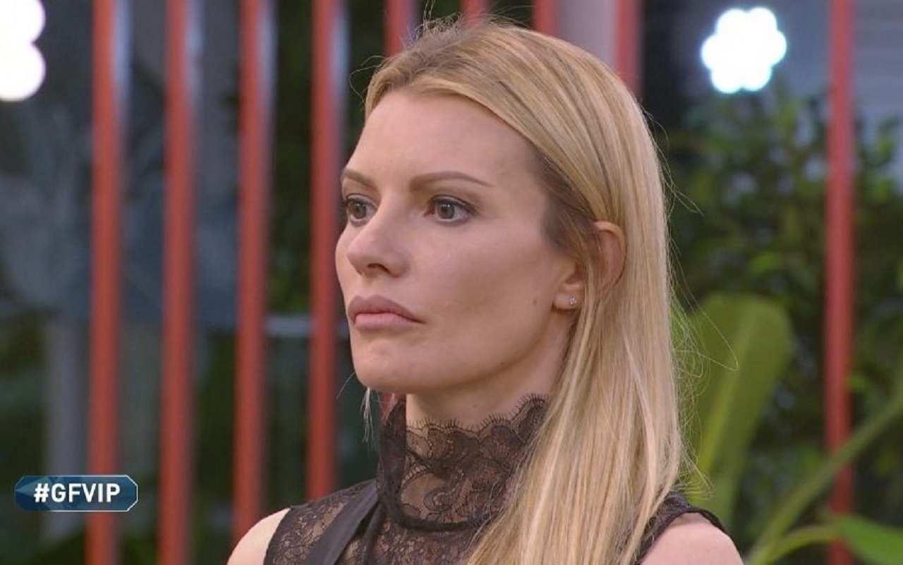 Paola Di Benedetto, le parole sul Coronavirus fanno indignare i fan