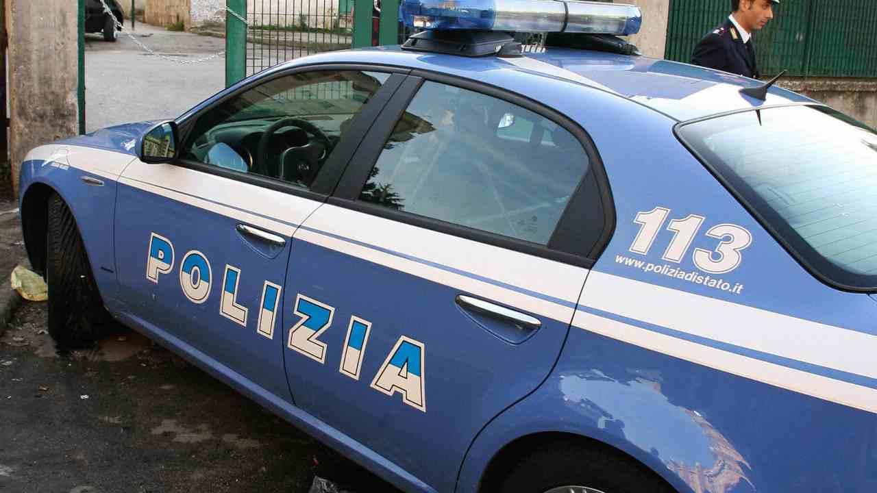 Coronavirus, funerali 15enne Napoli: tensioni corteo-polizia