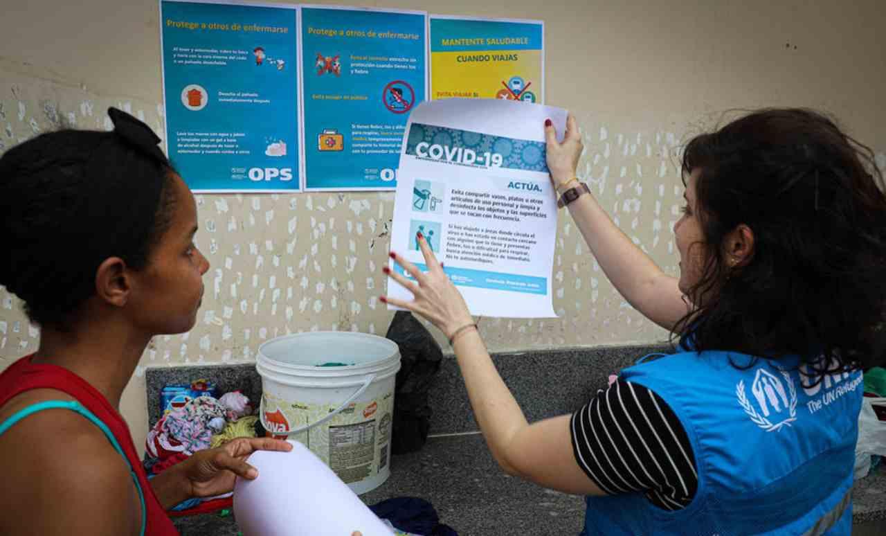 Coronavirus. Rischio contagio rifugiati e comunità, l'Unhcr