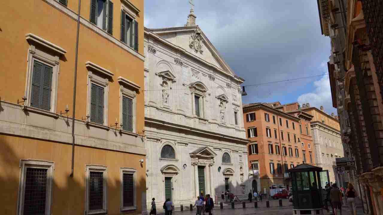 Coronavirus, compagnie aeree bloccano voli da e per l'Italia