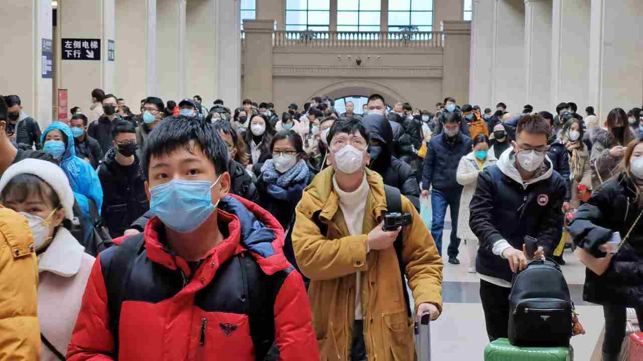 Coronavirus, Wuhan riapre le porte: arrivano primi treni pas