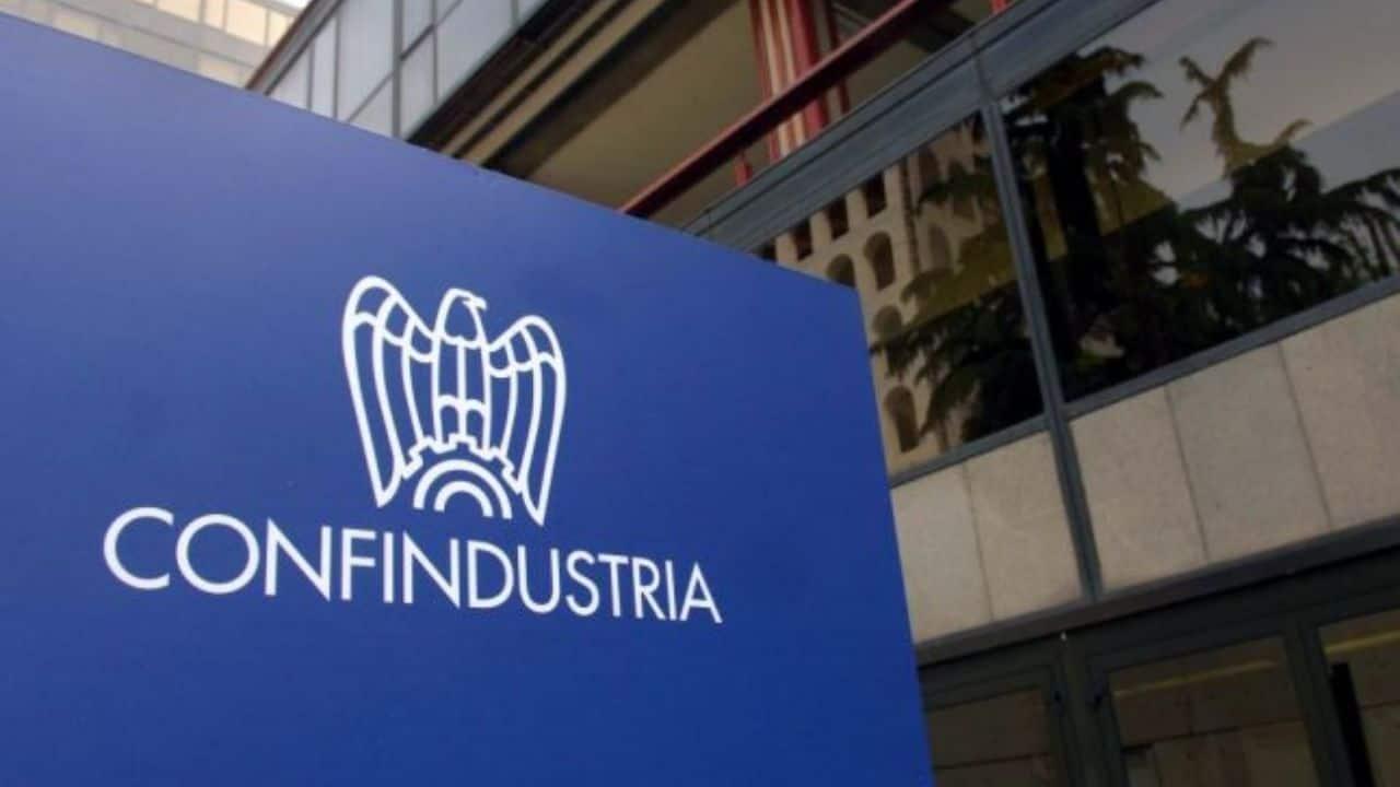 coronavirus pil italia confindustria