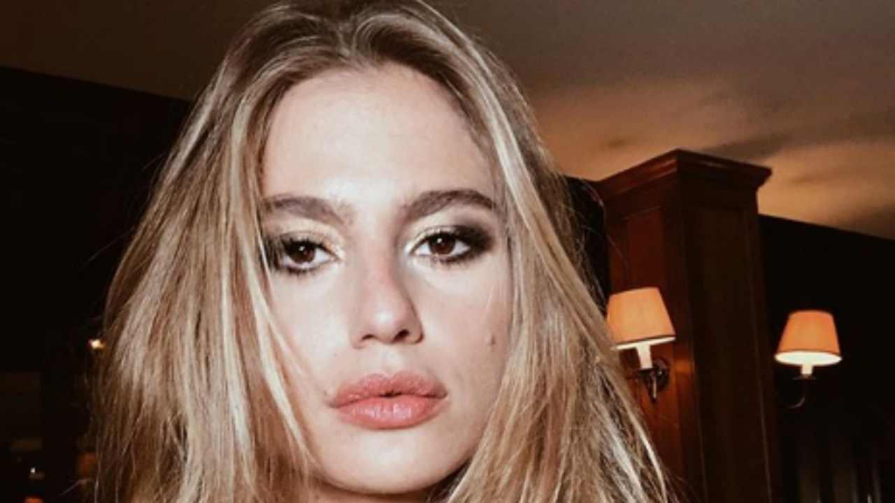Cristina Marino Incinta Topless Da Urlo Per La Compagna Di Luca Argentero