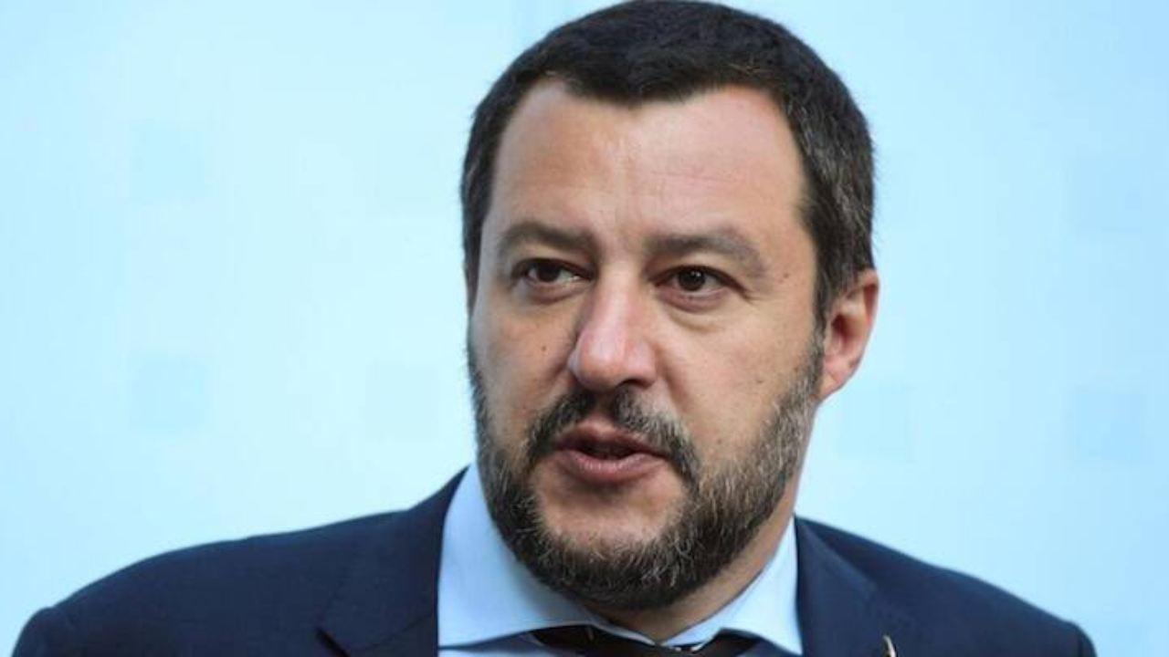 """Coronavirus, Salvini a Renzi: """"Non è momento di riaprire. Pr"""