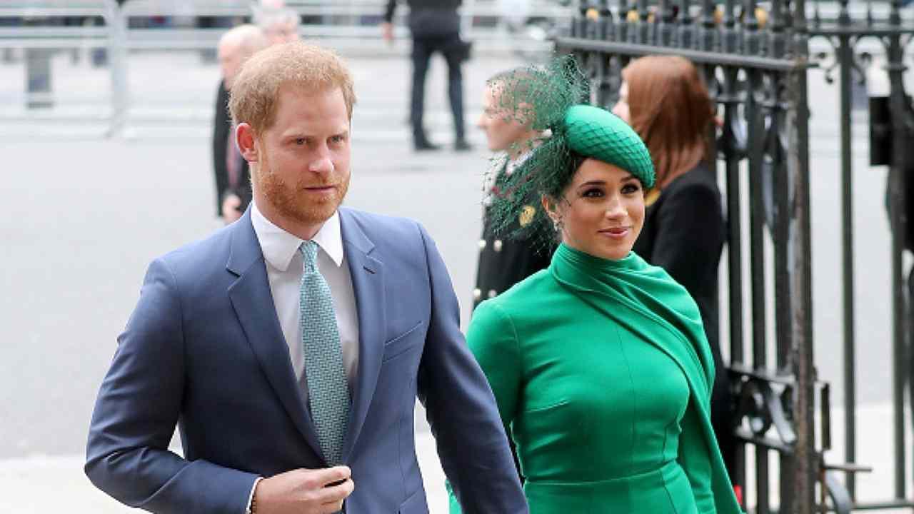 Meghan Markle e Harry ritorno trionfale a Londra dopo laddio alla Corona