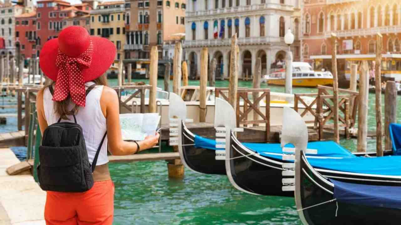 Coronavirus, crolla il turismo in Italia: 143 milioni in men