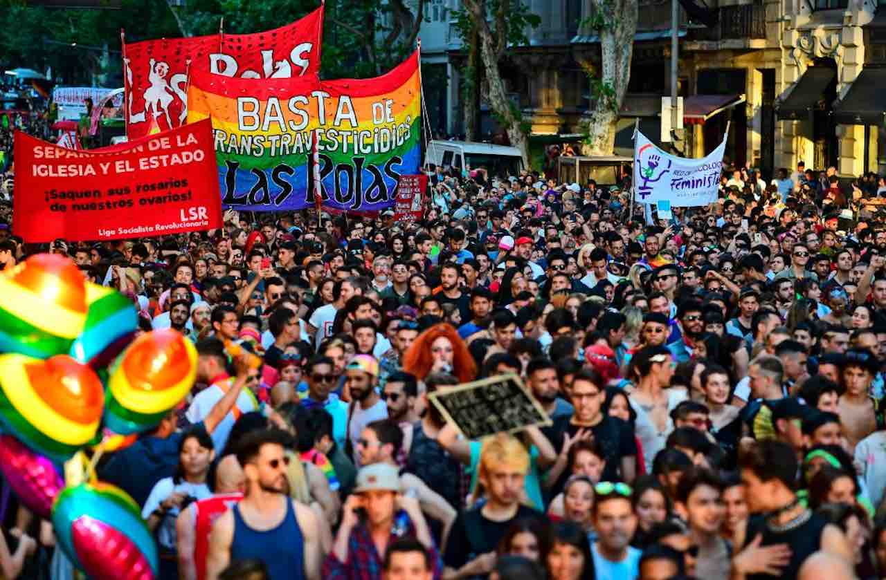 Coronavirus, Argentina choc: donne gay e comunità Lgbt esent