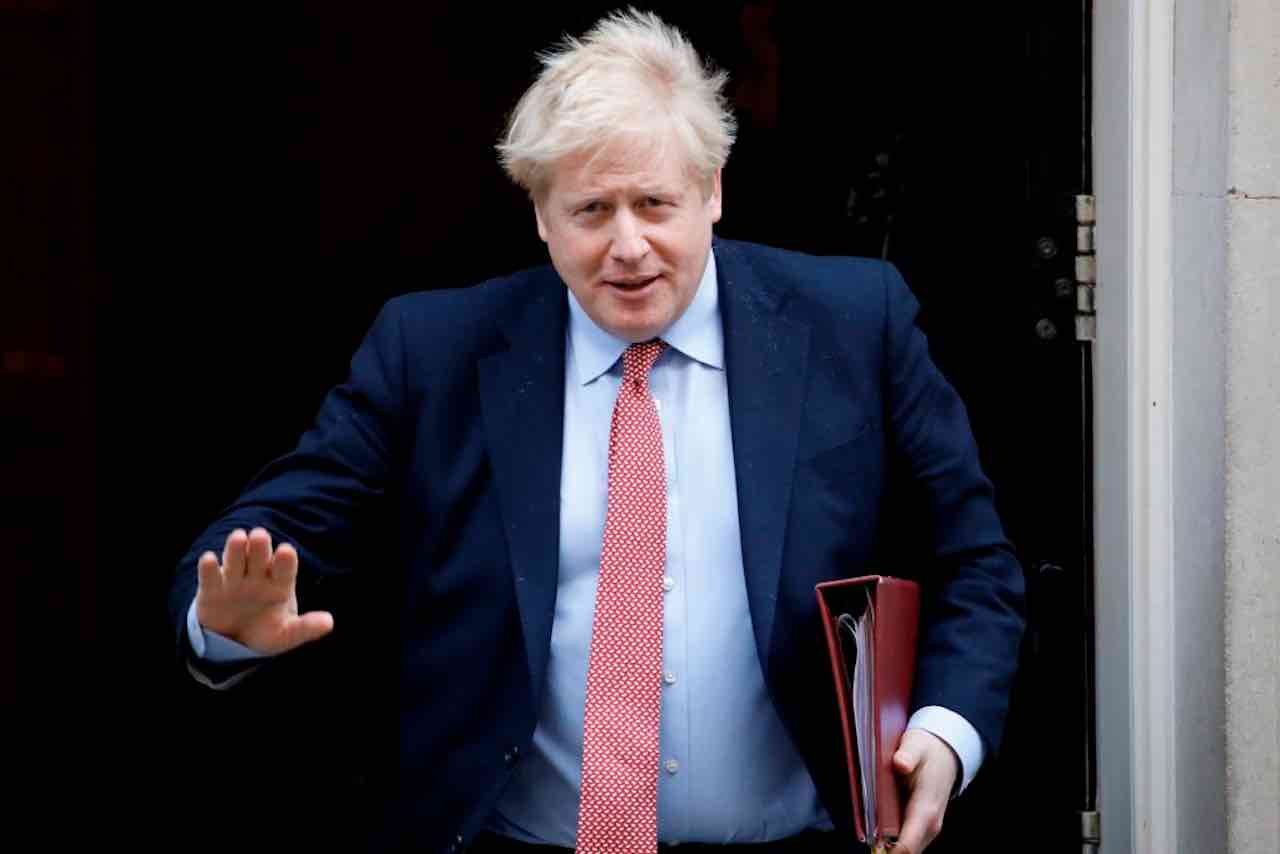 Coronavirus: Boris Johnson è in terapia intensiva