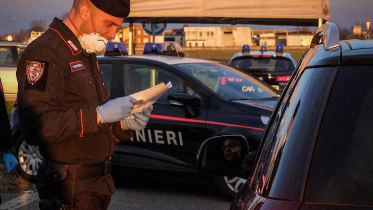 """Coronavirus: a Roma da Viterbo """"per comprare hashish"""""""