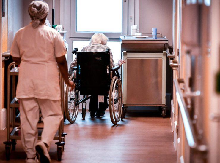 """Coronavirus Bergamo, centro anziani denuncia: """"Ci hanno impedito di chiudere"""""""