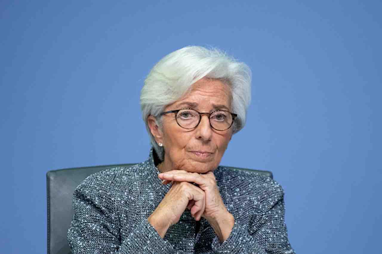 """Coronavirus, Lagarde: """"non ci si deve fissare sui coronabond"""