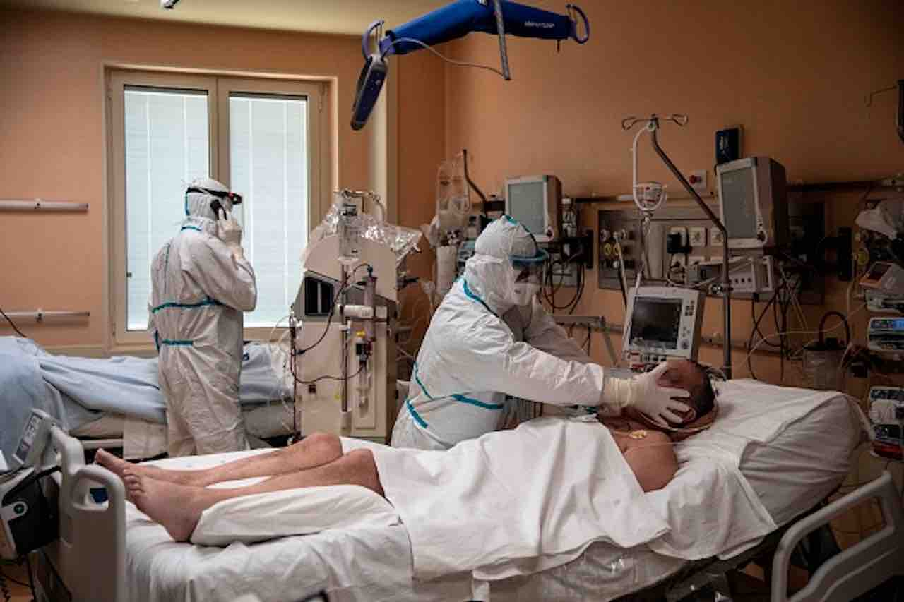 Coronavirus: ancora 2 medici deceduti, 107 vittime in totale