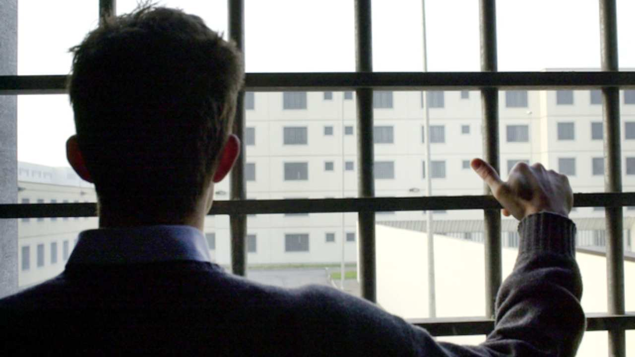 Coronavirus, l'emergenza arriva dentro le carceri: in aument