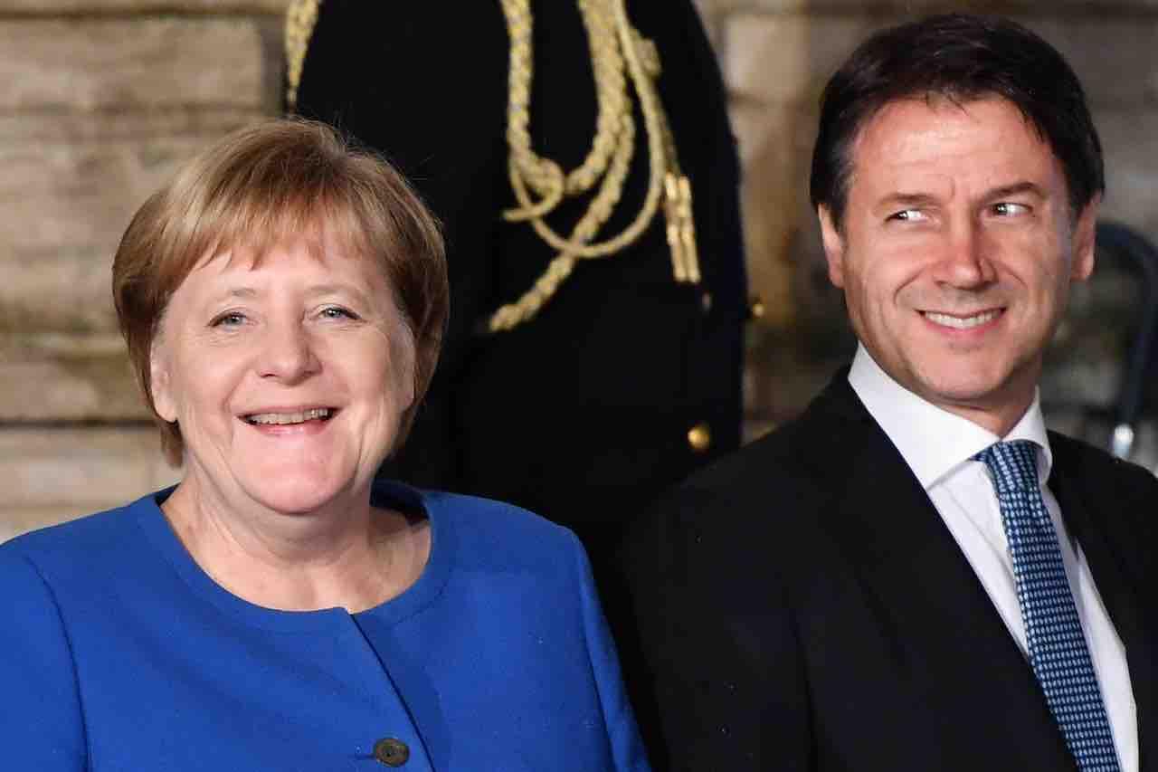 """Recovery Fund, Merkel assicura """"pronti a compromessi"""""""