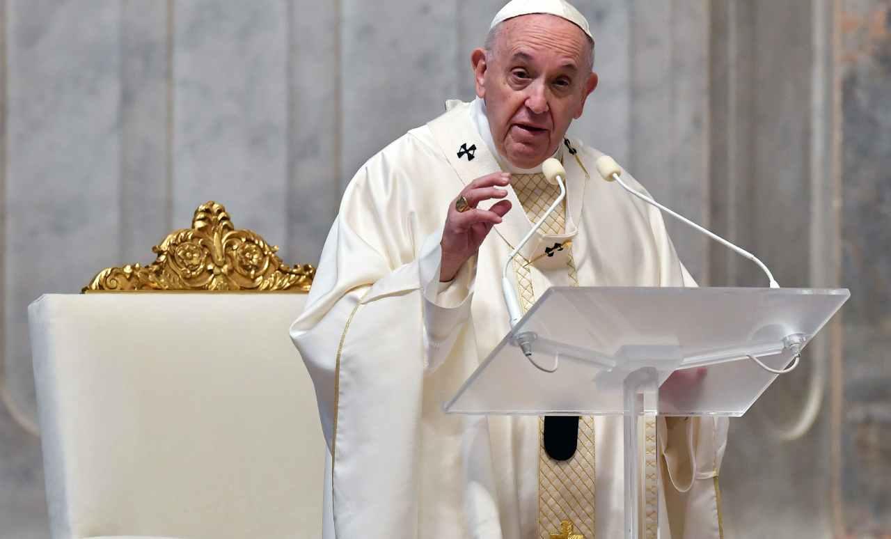 Pasqua: Papa a S. Pietro per celebrazione della Passione