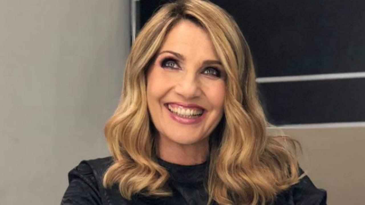 Lorella Cuccarini foto dal passato: la conduttrice da giovan