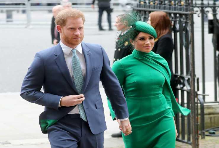 Harry e Meghan annunciano il boicottaggio dei tabloid inglesi
