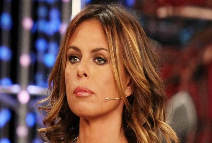 Paola Perego vittima di un incidente: