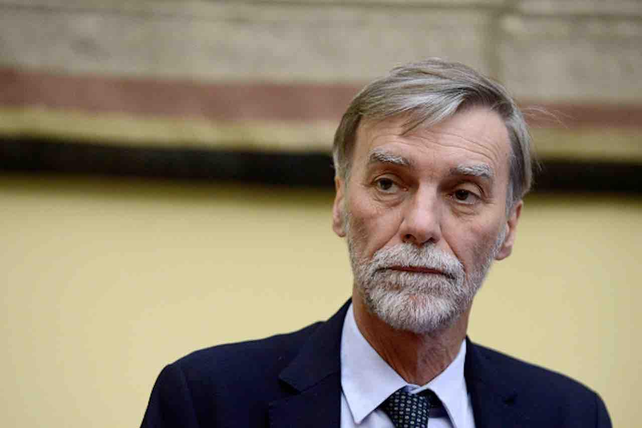 Pd propone contributo di solidarietà a carico di redditi superiori 80mila euro - Graziano Delrio (Getty) - meteoweek.com