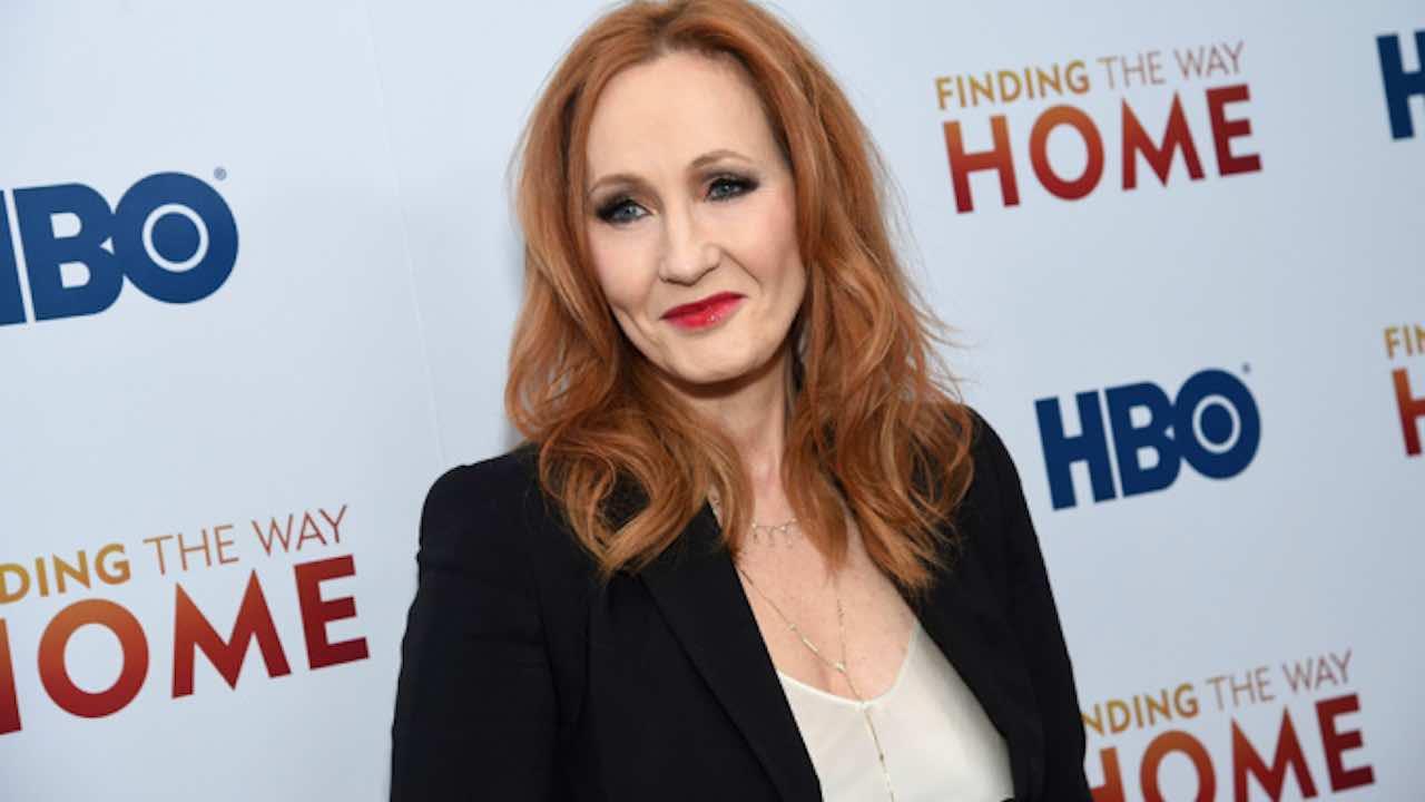 J.K. Rowling guarita dal coronavirus e consiglia una terapia